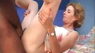 French mature Agnes and doctor gyno