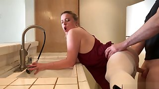 Stepmom net in the sink gets stepson's locate in her