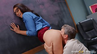 Bella Rolland's perfect pussy is pummeled in her classroom