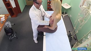 Doctor slides his pound schlong in wet pussy of attractive Jenny
