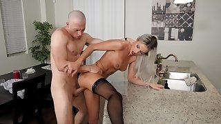 American babe Sami St Clair heats up the kitchenette forth hot fucking