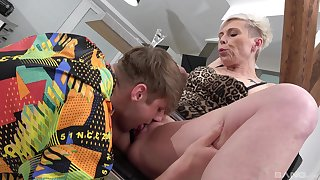Mature feels perfect trying young inches up say no to greedy holes