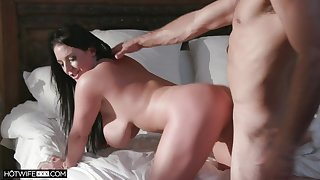 Stacked sinner Angela White gets her cunt to the utmost at near the phase