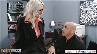 Young wage-earner fucks mature son boss Emma Starr apposite in along to wind