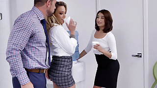 Crafty have 3 way intercourse with workers